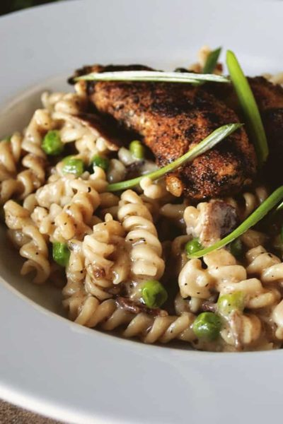 Blackened Chicken Mac And Cheese | Kita Roberts GirlCarnivore.com
