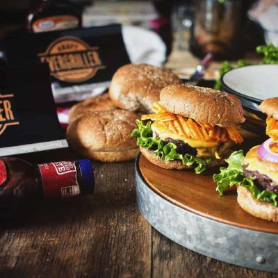 Evergrilling with Cheese Stuffed Barbecue Crunch Burgers
