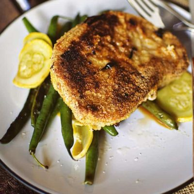 Cornmeal Coated Skillet Pork Chops