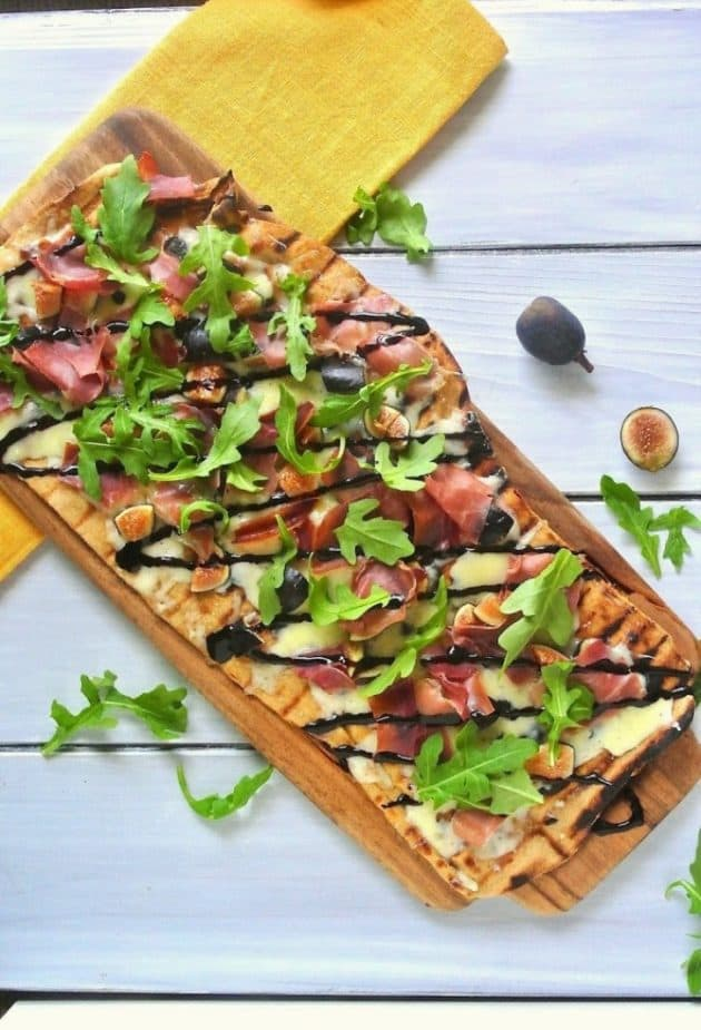 Grilled Flatbread with Figs and Prosciutto