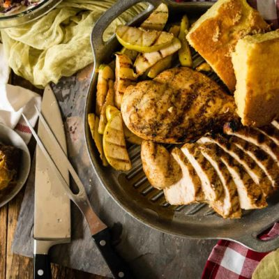 QUICK BBQ CHICKEN WITH GRILLED APPLES