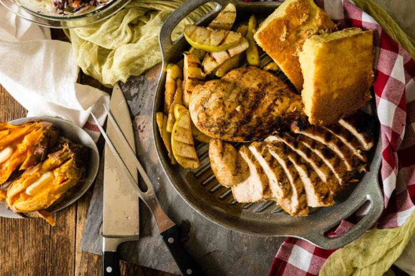 Weeknight easy - QUICK BBQ CHICKEN WITH GRILLED APPLES