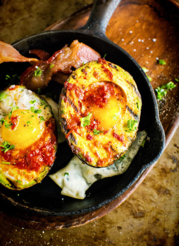 Whole 30 Grilled Harissa Avocado Baked Eggs | Kita Roberts GirlCarnivore.com