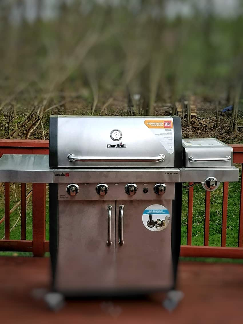 Char-Broil's Commercial Series TRU-Infrared 4-Burner Gas Grill