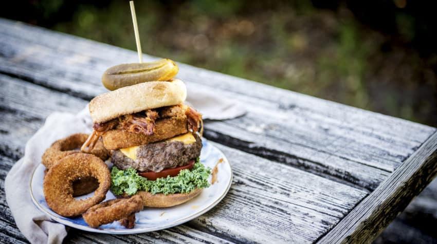 burger-month-curlys-bbq-pork-belly-burger-recipe-girl-carnivore-3
