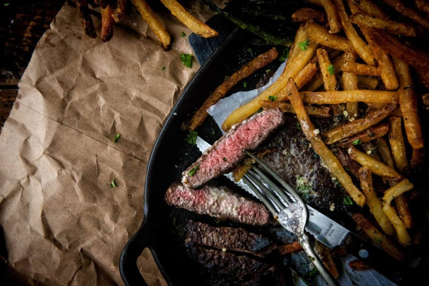 Just look at that steak. Yep. Perfect. And those fries, so crunchy!