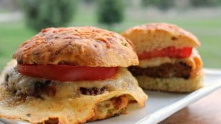 Cheesy Dilly Bun Burgers
