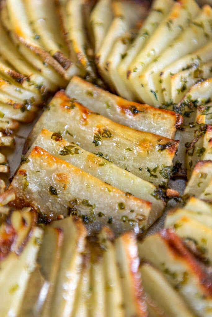 Close up of browned edges on dominoes potatoes